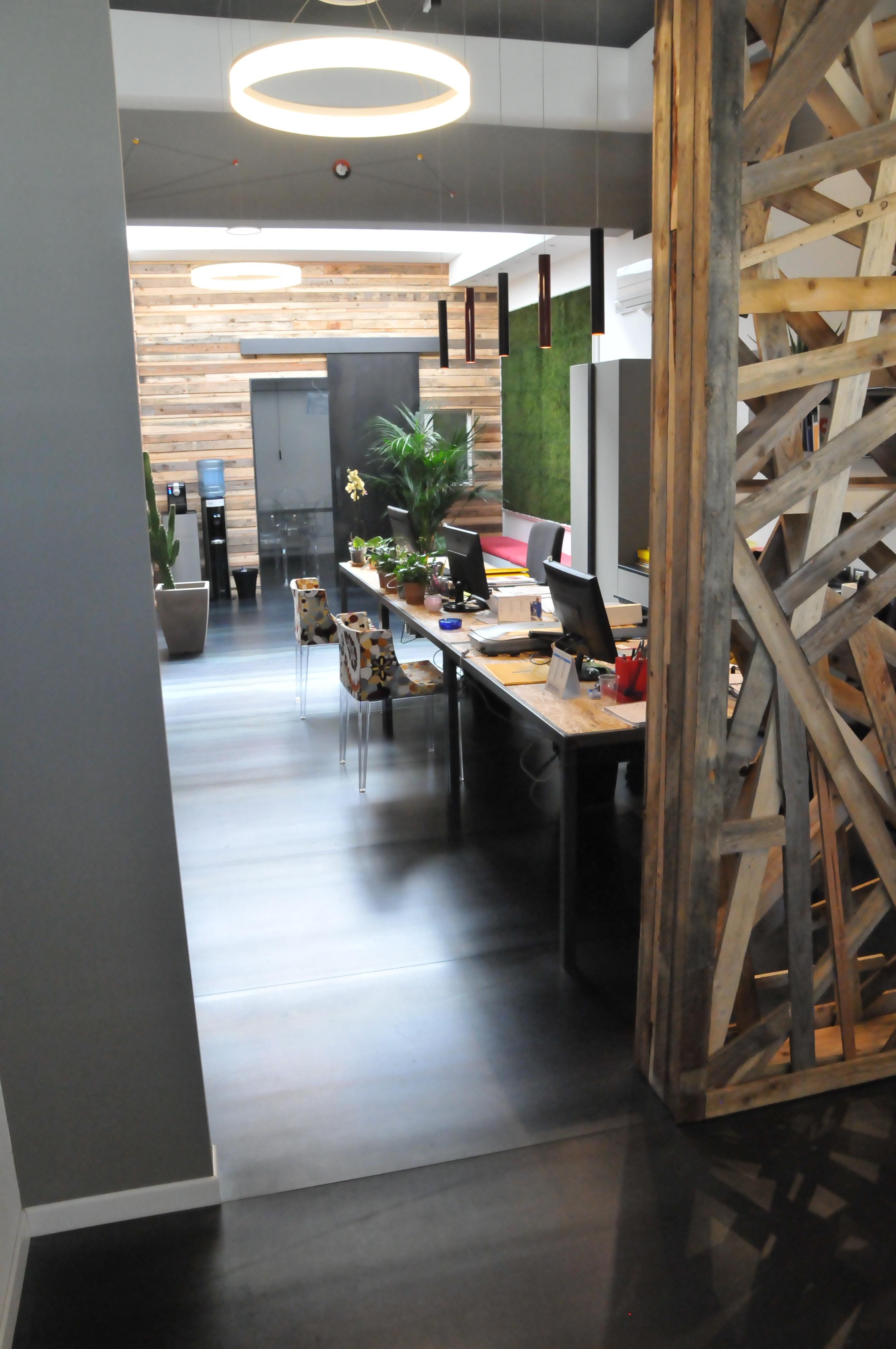 Illuminazione ufficio for Ufficio architetto design