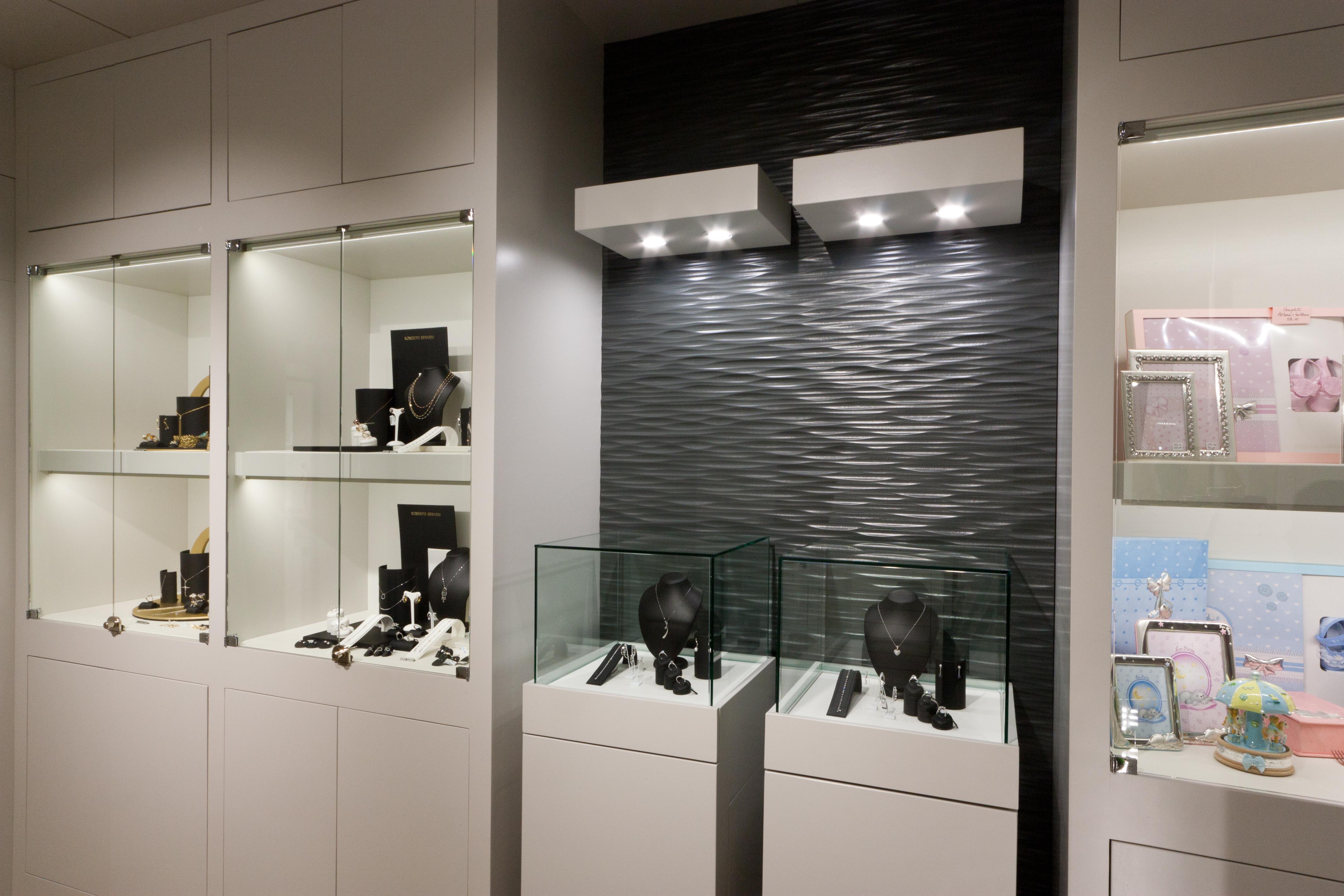 Illuminazione gioielleria luce led su misura per gioielli e preziosi